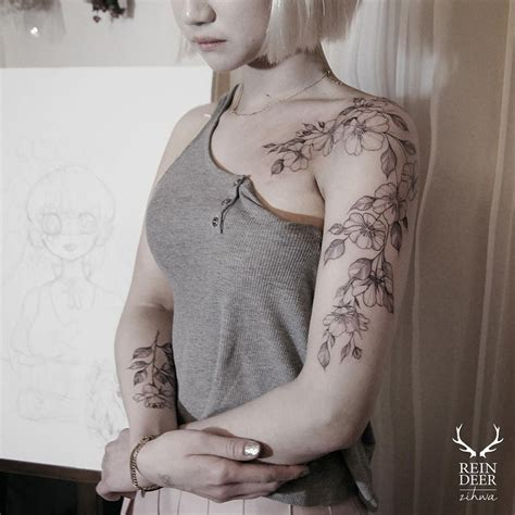 flower tattoo ideas for shoulder pretty floral arm shoulder tattoo best tattoo ideas