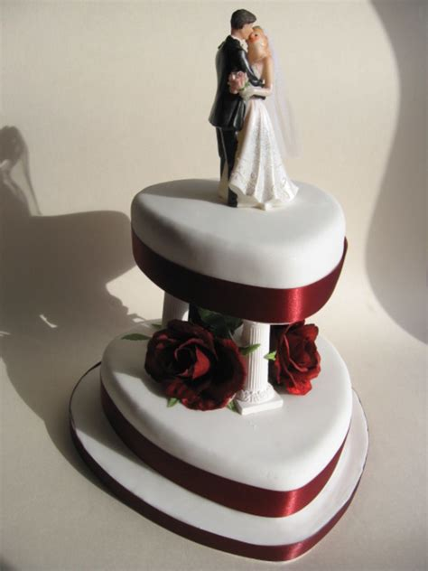 Shaped Wedding Cakes by Traditional Shaped Wedding Cake Cakecentral