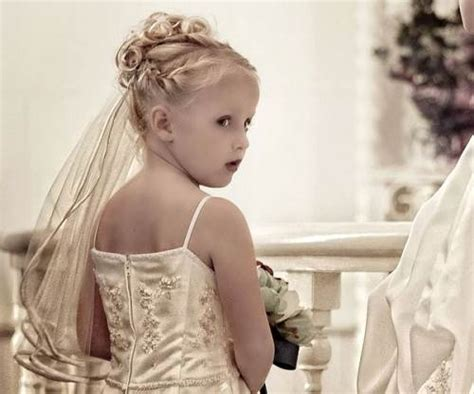Wedding Hairstyles For Juniors by Wedding Hairstyles Junior Bridesmaids Ideas