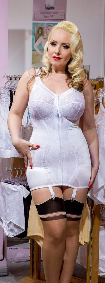 i love girdles mieder nylon tumblr bbw lingerie girdle cs girdles more pinterest
