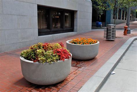 fiori per vasi da esterno fioriere da esterno vasi modelli e tipologie delle