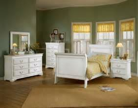 White Furniture In Bedroom White Bedroom Furniture For Adults