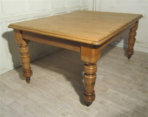 large rustic pine kitchen table 261205