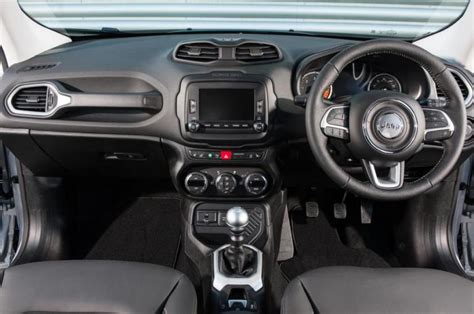 standard jeep interior 2018 jeep renegade redesign and specs 2018 2019 world