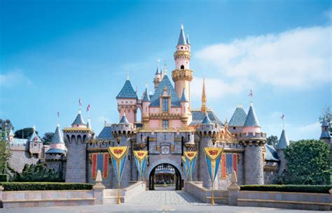 sections of disneyland california universal studios vs disneyland theme parks