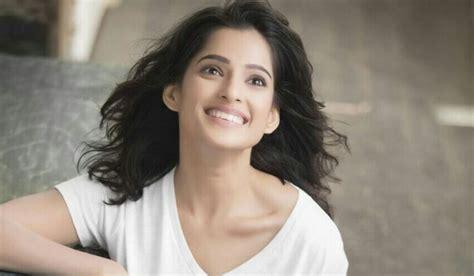 most beautiful actress in marathi film industry top 10 hottest marathi actresses 2018 trendrr
