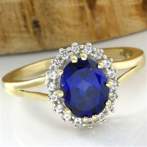 Sapphire 20 20 Ct 14 kt yellow gold 3 00 ct blue sapphire 0 20 ct white