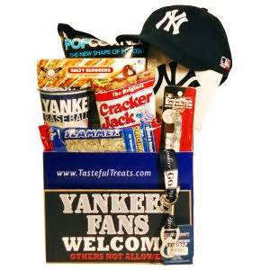 gifts for baseball fans 17 best images about gifts for new york yankees fans on