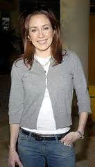 is that a wig that frankie heck wears on the tv show the middle file patricia heaton jpg wikimedia commons