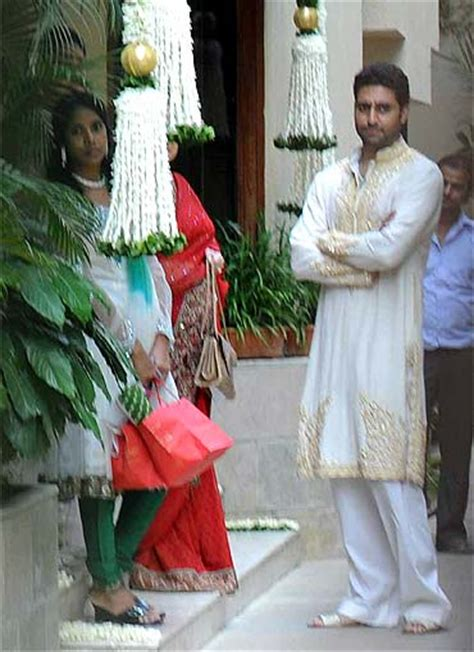 Baby Shower Gifts For Mum And Dad by Pix Stars At Aishwarya Rai Bachchan S Baby Shower