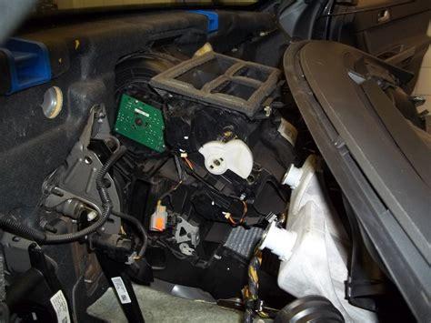 book repair manual 2002 volvo c70 engine control service manual 1998 volvo c70 temperature control motor removal volvo v70 ecc temperature