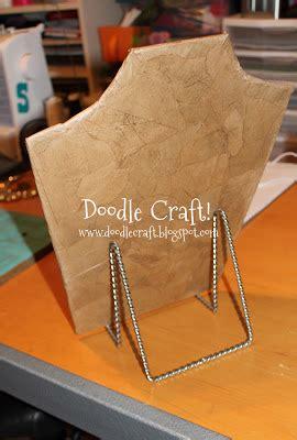 doodle craft doodlecraft make a necklace display form