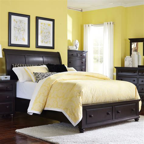 broyhill farnsworth bedroom set broyhill furniture farnsworth queen sleigh bed with storage value city furniture sleigh beds