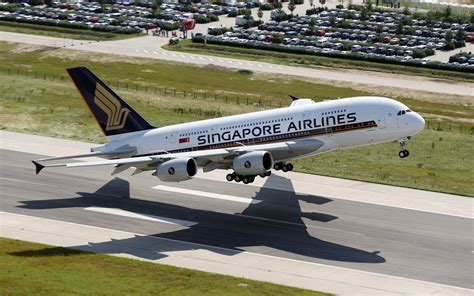 Air Di Singapore airbus a380 800 aircraft airliners singapore airlines