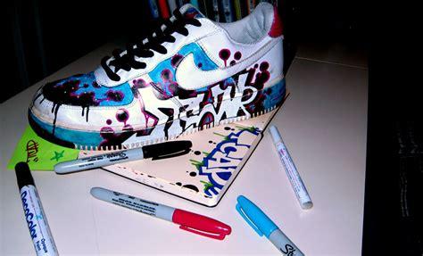 graffiti lettersn  shoes graffiti design ideas