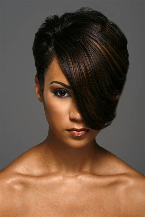 the swoop hair style 10 short hairstyles for round faces