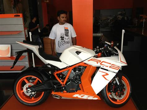 Ktm In India Ktm Rc8 Superbike To Be Unveiled In India On 31st March