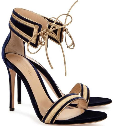 Sandal Brisha Navy palermo at fashion week in gianvito