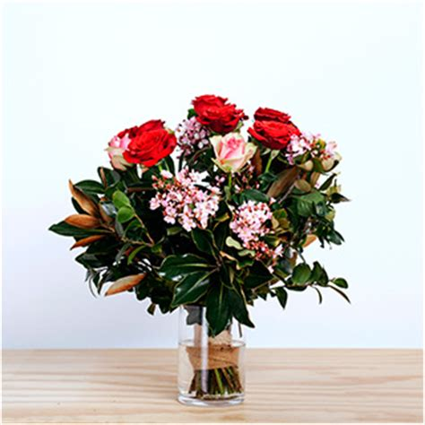 flower design newcastle how to choose the right vase jardines newcastle
