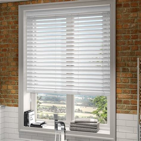 Wooden Horizontal Blinds by Best 25 Wood Blinds Ideas On Faux Wood Blinds