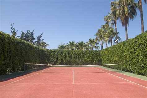 22 luxurious tennis court ideas
