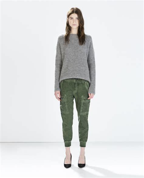Chino Zara Army avec quoi porter un pantalon kaki 6 id 233 es de looks 224 adopter cet automne hiver taaora