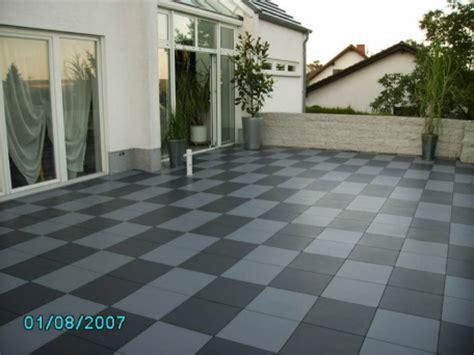 Terrassenplatten Aus Kunststoff by Terrassenboden Aus Witterungsbest 228 Ndigen Kunststoffplatten