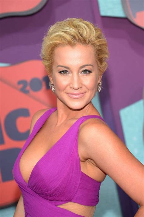 kellie pickler as hair grew from a buzz 124 best kellie images on pinterest kellie pickler