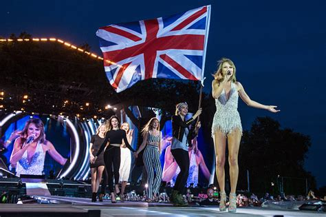 taylor swift style hyde park taylor swift and kendall jenner onstage reunion during