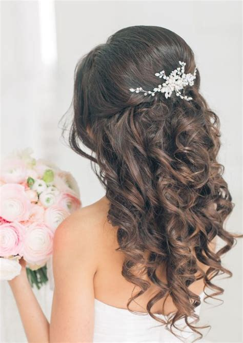 Wedding Hairstyles For Brides With Hair by The 25 Best Ideas About Wedding Hairstyles On