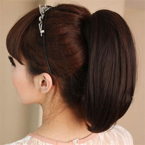 how to do ponytail with short layers woman s stylish short straight ponytail claw clip in