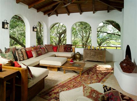 arched windows drive home the moroccan style with a middle