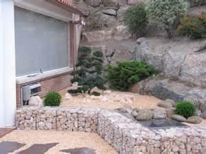 gartengestaltung mit bambus und gräsern vorgartengestaltung reihenhaus kies gartengestaltung