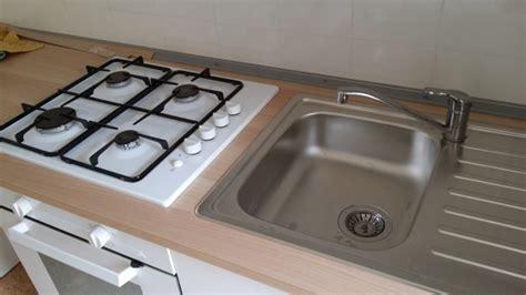 piano cottura incassato foto lavabo e piano cottura incassati sul top di fare