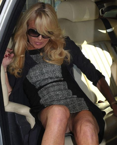 Dina Lohan S Possible Pantyless Upskirt Of The Day Drunkenstepfather Com