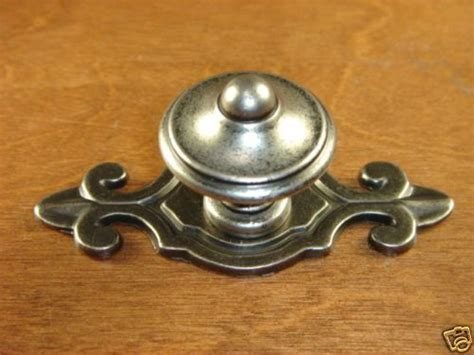kitchen cabinet knobs with backplates 1000 images about cabinet hardware diy on pinterest