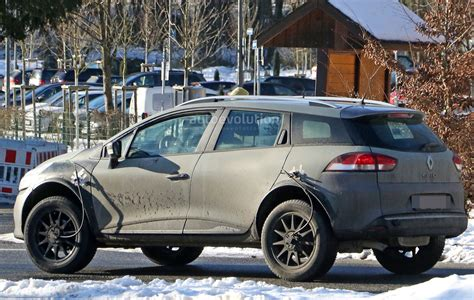 2019 Renault Captur Prototype Makes Spy Photo Debut As