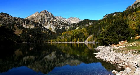 aig estortes estany de sant maurici national park pyrenees spain 1 25 000 trekking map alpina books what s a must see place thing you must try when you visit