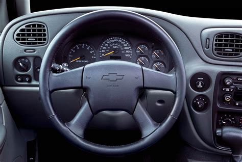 how make cars 2003 chevrolet trailblazer interior lighting 2004 chevrolet trailblazer history pictures sales value research and news