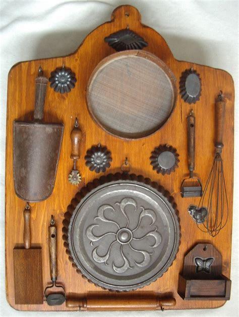 utensile da cucina tavola con vecchi utensili da cucina collezione