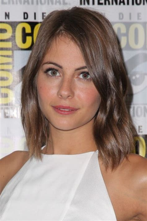 willa holland hair cut willa holland warner bros panel at comic con hawtcelebs