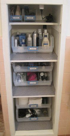 Linen Closet Organization Systems 1000 Ideas About Organize Bathroom Closet On