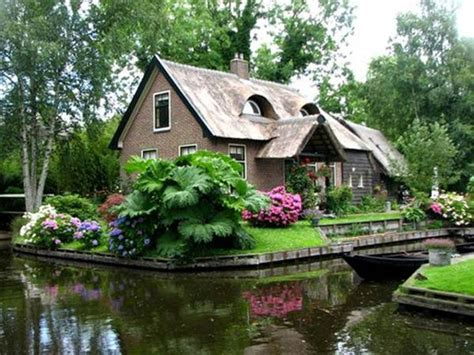 Fairytale Cabin by Wonderful Tale Cottages