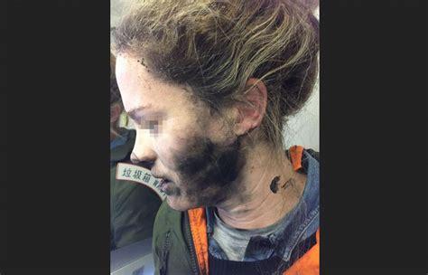 Jam Tangan Bosnia Wanita headphone wanita ini meledak dalam penerbangan menuju