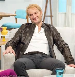 last on the talk show gets new hair cut jason clarke sports dyed blonde hair as he talks about
