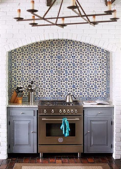 blue and white tile backsplash 25 best images about delft on pinterest blue tiles