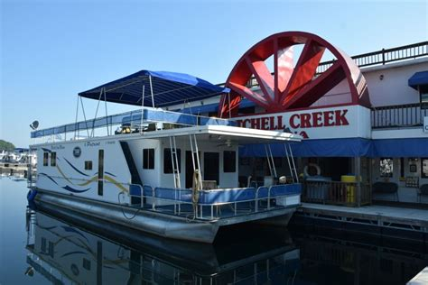 house boating magazine family community and houseboating at dale hollow lake