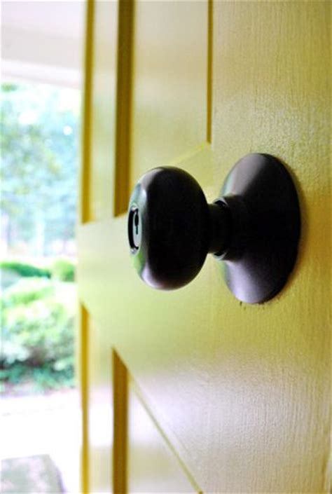 Painting Door Handles by Updating Brass Hardware Handles With Spray Paint