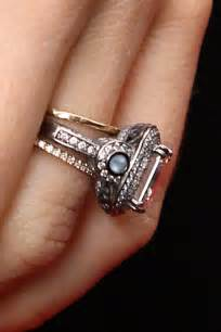 wedding ring that looks like a biel s wedding ring it looks like she got two