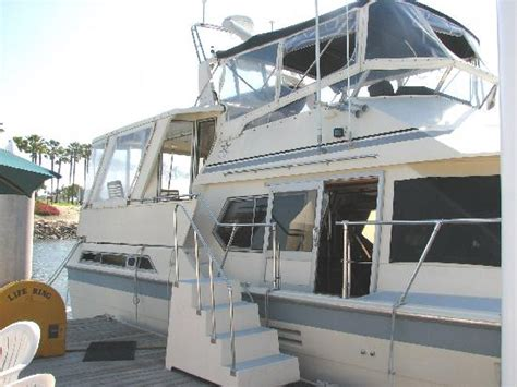 boat and bed in long beach quot perfect landing quot 48 motoryacht picture of dockside